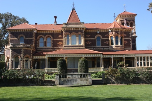 Ripponlea Estate was built in 1868 by Sir Fredrick Sargood.